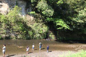 小糸川で川遊び